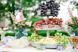 Food, Flowers, grapes, Malta, weddings. Photo credit: Pinterest - Article 'Oh Best Day Ever'