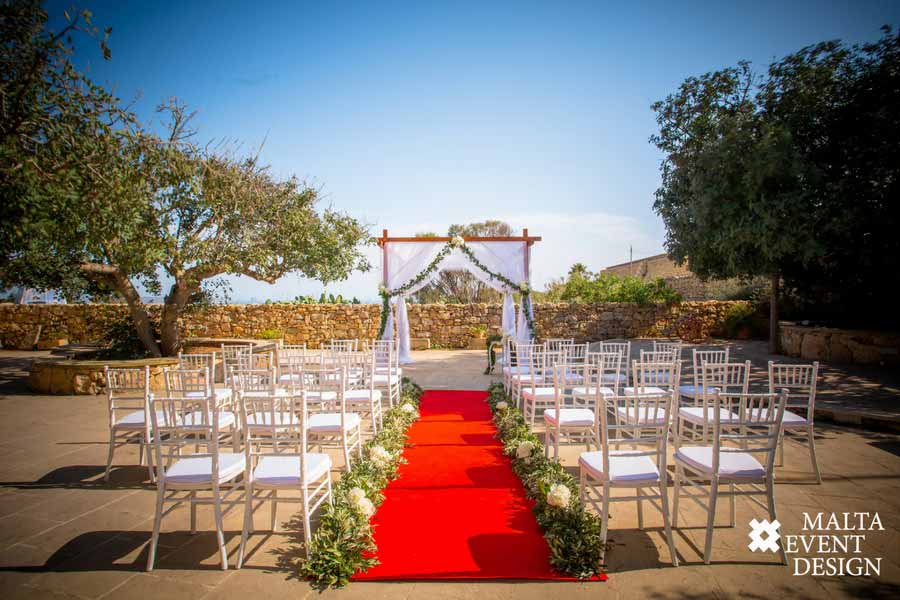 A remarkable backdrop on your perfect day!