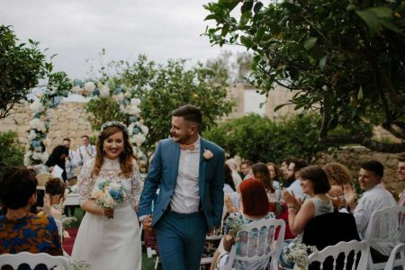 Tips you need to know about destination wedding guest list!
